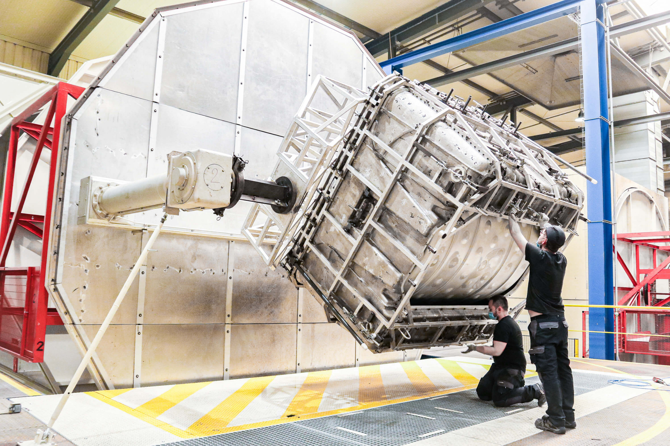 Rotomolding machine for wastewater treatment tank